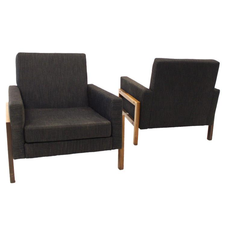 Lounge chairs with exotic wood base