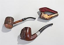 Cased Meerschaum cheroot holder in the shape of a poppy seed; to include a