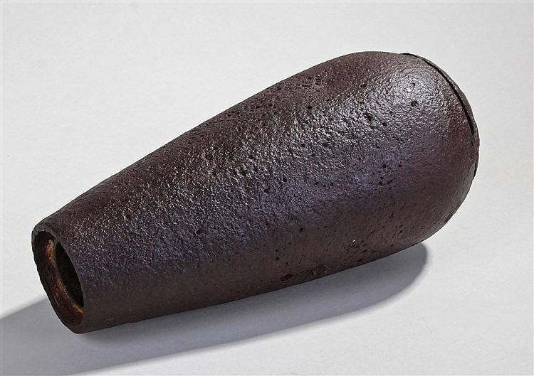First World War Hale 20lb bomb, the casing of tapering form, 29cm long