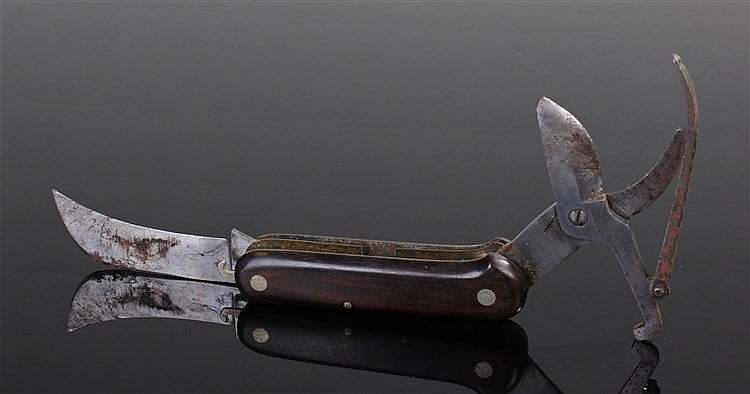 Unusual early 20th Century pocket knife clippers, the scissored end and hoo