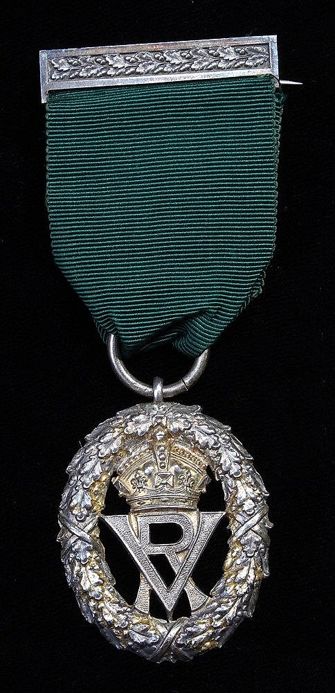 Volunteer Officer's Decoration, VR, assayed for 1893