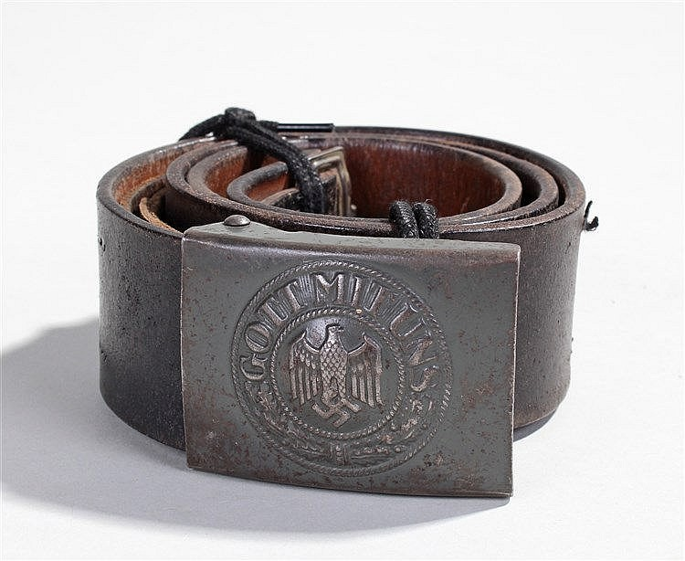 German Second World War Third Reich leather belt and buckle, with metal buc