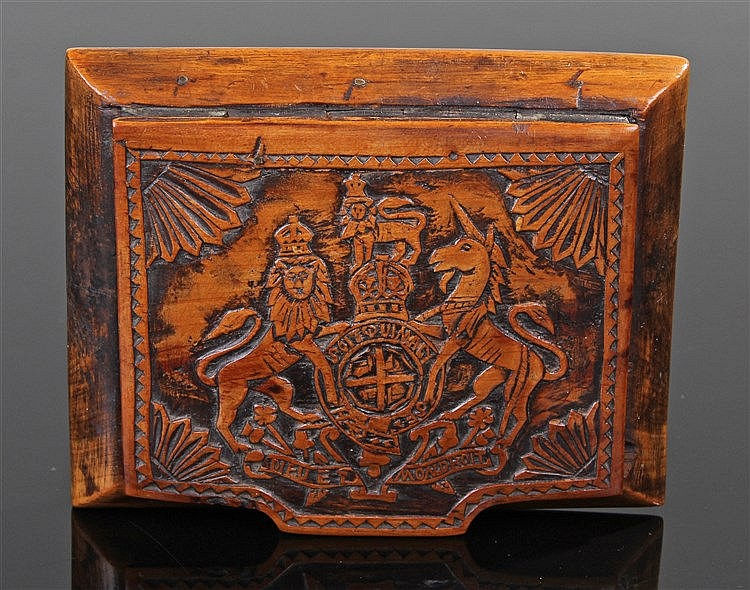 19th Century Royal Coat of Arms snuff box, the hinged carved lid depicting