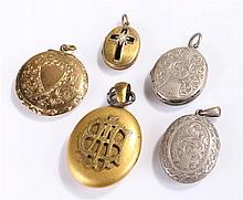 Collection of lockets, to include two silver examples, an example with a bl