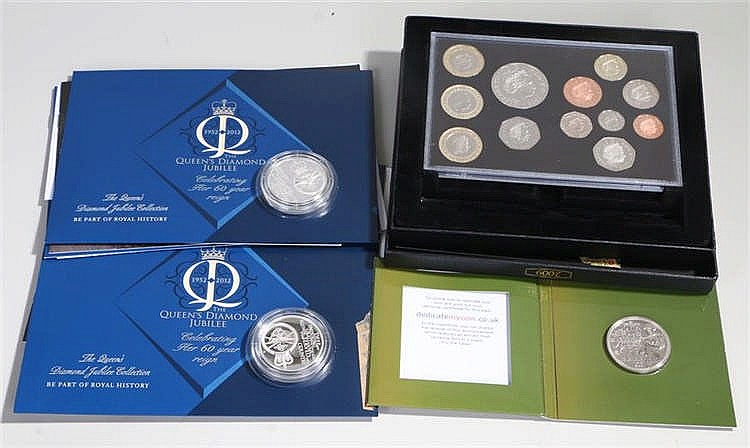 Coins sets, to include the 2009 UK Proof coin set, First World war commemor