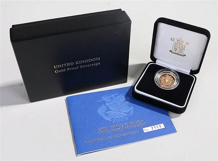 Elizabeth II proof Sovereign 2005 capsuled and boxed with certificate of au