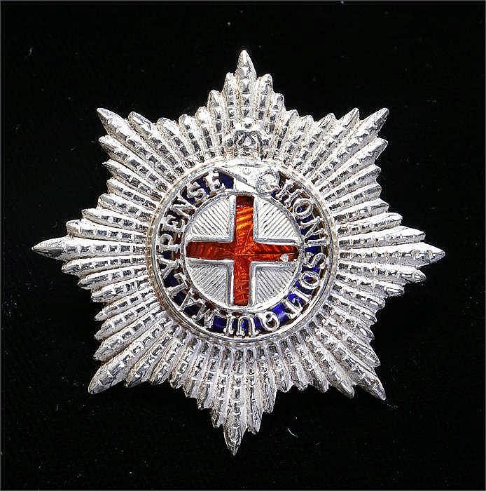 Coldstream Guards Warrant Officers cap Star, three part construction - Stoc