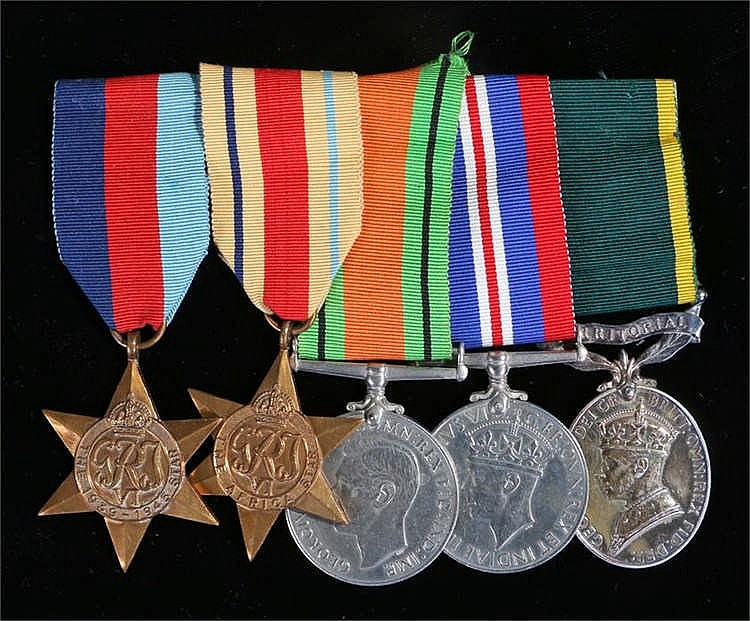 World War II group of five, with 1939-45 Star, Africa Star, Defence and War