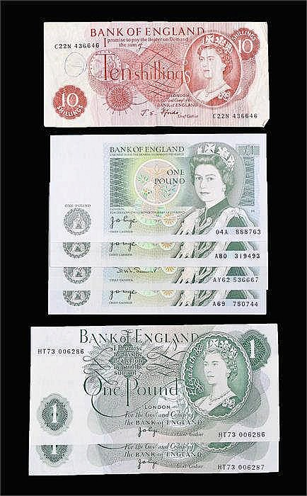 Bank of England banknotes, to include a run of two Page £1 banknotes HT73 0