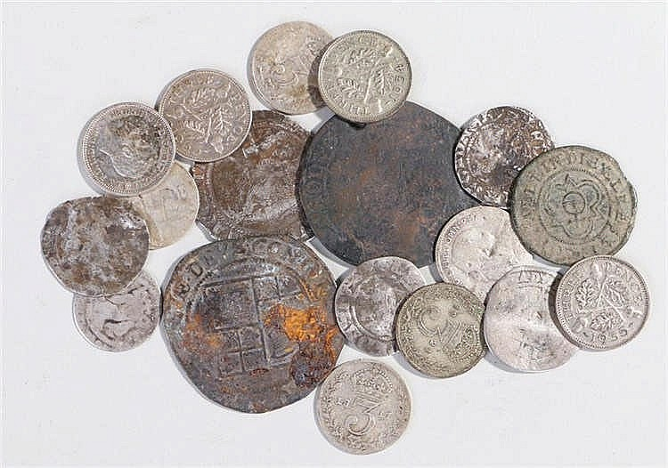 Collection of coins, to include James I, Hammered pennies, a jetton, Elizab