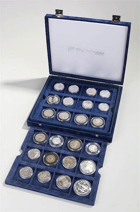Collection of twenty five Russian silver coins, all capsuled and in a non-c
