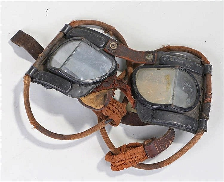 A pair of World War Two RAF Mark IV pilots goggles - Stock Ref:4578-51
