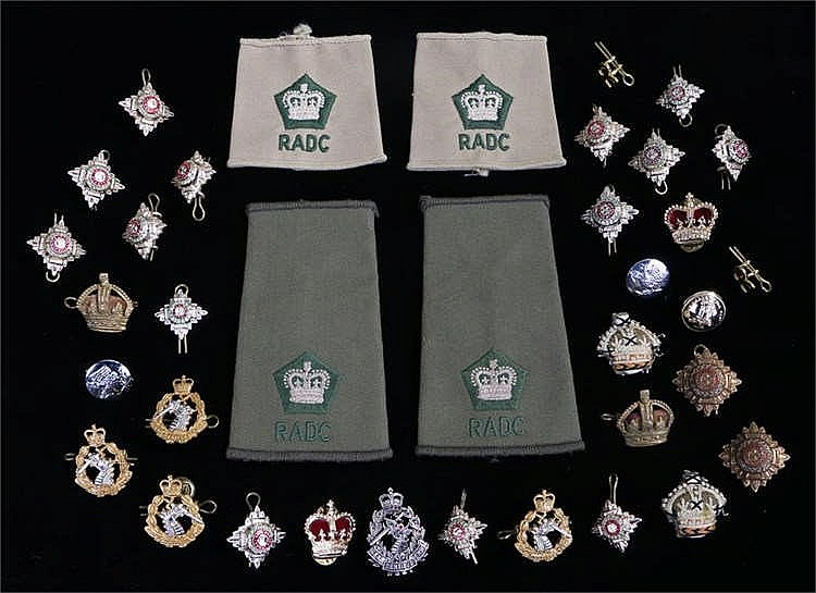 Quantity of Army cap badges and pips, some replicas.(qty) - Stock Ref:3131-