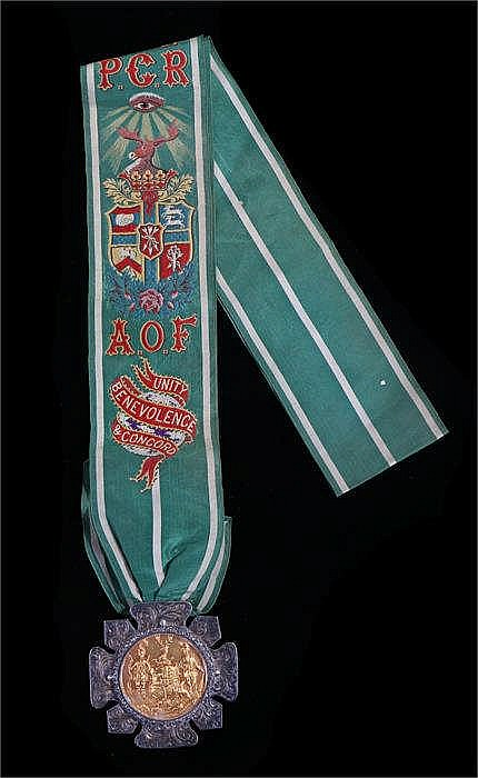 The Ancient Order of Foresters silver medal, with a silver gilt centre to t