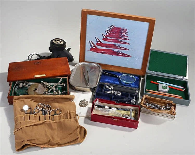Militaria, to include military medical items, some cased, a gas mask, cap b
