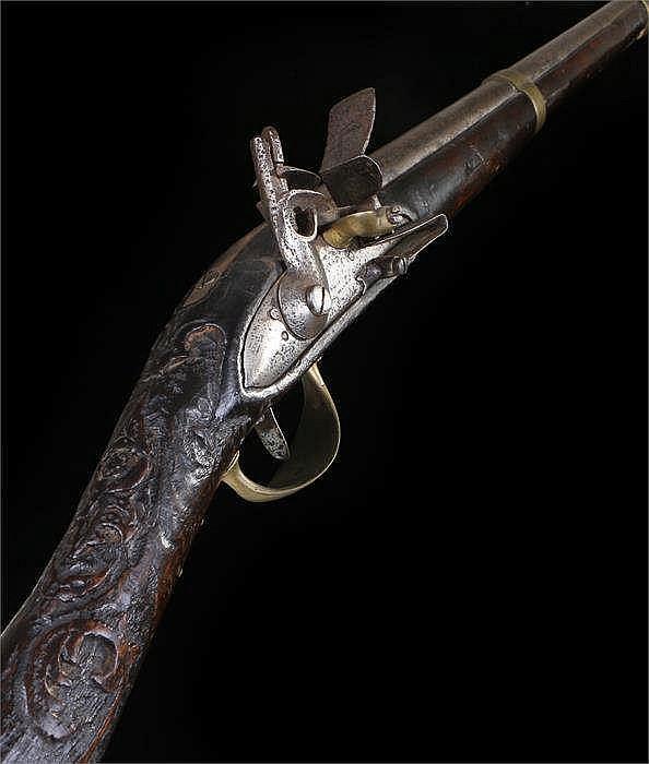 18th / 19th Century flintlock gun with steel ramrod, barrel, lock plate wit