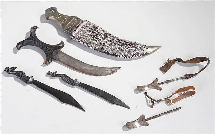 Mixed lot to include a horn handled Indian dagger decorated scabbard with s
