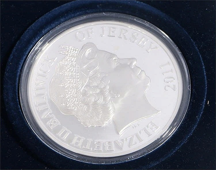 Elizabeth II Royal Wedding 5oz £10 coin, Jersey 2011, housed in a capsule a