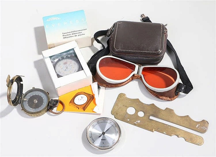 Mountaineering items, to include goggles, a hygrometer, an altimeter, also