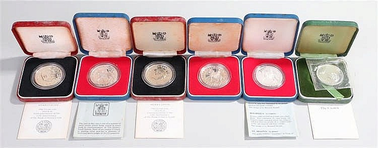 Proof coins, all cased, to include Sierra Leone, silver 1977 Crowns and ano