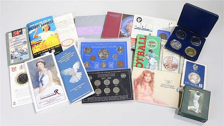 Coin sets, to include Sixpence set, Commemorative crowns, £2 uncirculated s