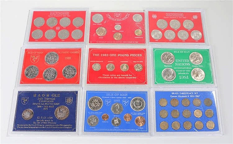 Coin sets, to include the 1983 One Pound pieces set Coinage of Great Britai