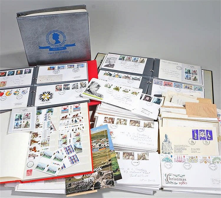 Collection of albums of first day covers and a quantity of loose first day
