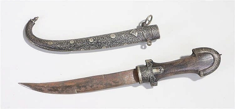 Koummiya Berber dagger and ornate scabbard, curved blade becomes double edg