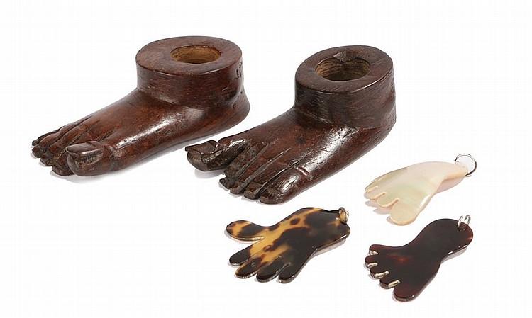 Lot 199 Five Indian Feet To Include Two Vishnu Hardwood Feet 9 5cm Long Two Tortoi