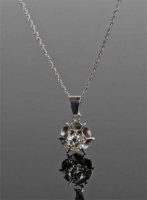 14 carat white gold set pendant necklace the diamon