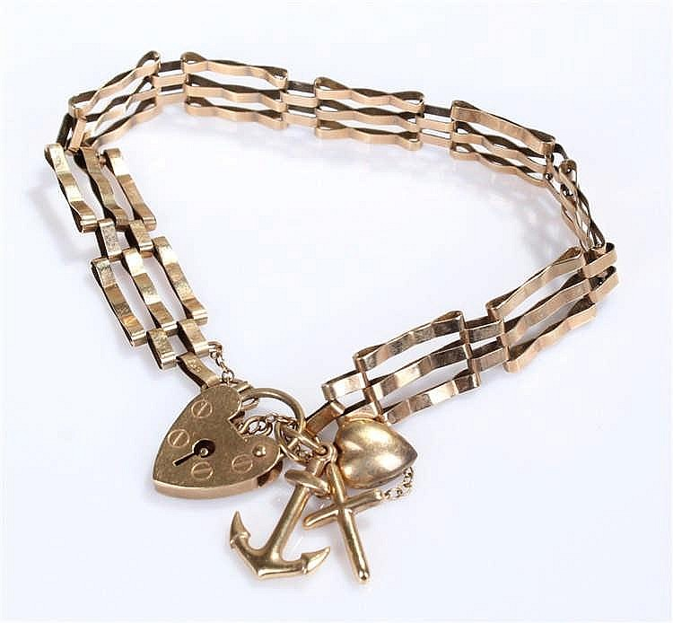 9 carat gold gate bracelet, of typical form with a heart shaped padlock cla