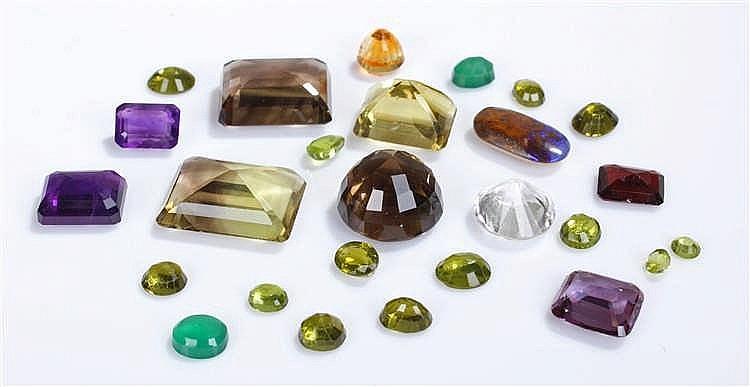Loose stones, to include smoky quartz, amethyst, cubic zirconia, garnet, pe