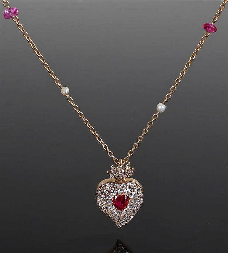 Diamond set heart locket, the locket set with diamonds to the heart and a c