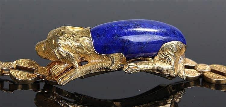 French 18 carat gold lapis lazuli bracelet, the lapis lazuli carved to form