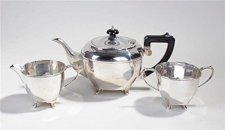 George V three piece silver tea service, Birmingham 1935, maker MU?, consis