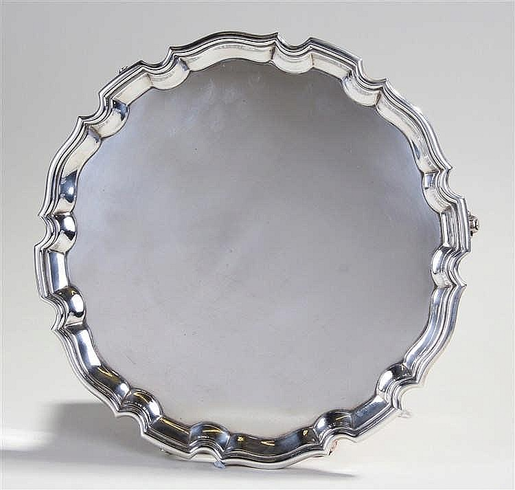 George V silver salver, Sheffield 1922, maker Harrison Brothers & Howson, w