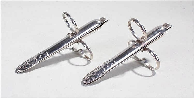 Christofle silver plated asparagus holders, in the form of a piece of aspar