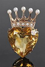 9 carat gold citrine and pearl coronet brooch, the pearl coronet above a he