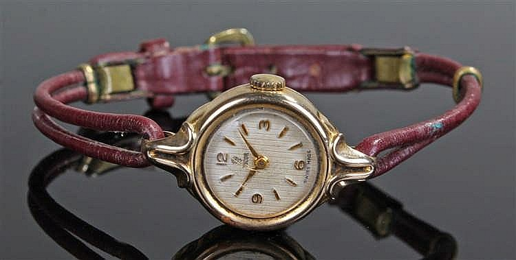 Tudor 9 carat gold ladies wristwatch, the signed dial with baton and Arabic