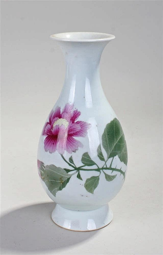 Chinese flower vase, decorated with a pink flower and green stalk with leav