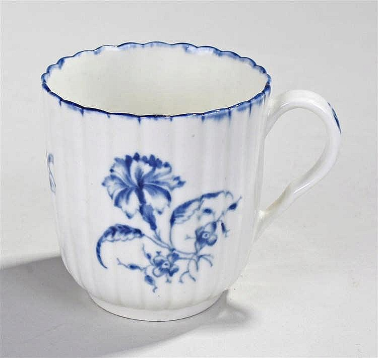 Late 18th Century Worcester coffee can, the fluted body with blue lip and f
