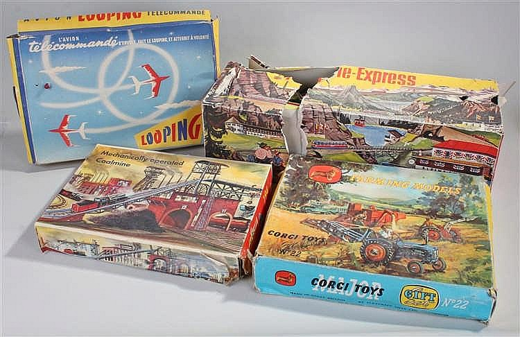 Toy sets, to include a boxed Technofix coalmine No 294, Tecnofix Express