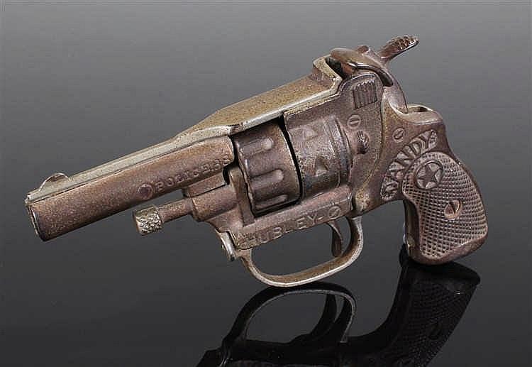 Hubley Dandy cap gun, Patd 1993916, 3088891, of revolver form, 15cm long