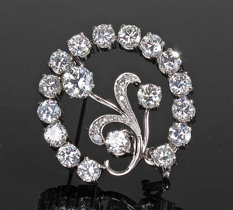 Diamond brooch, the brooch in the form of a flower in an arch, with twenty