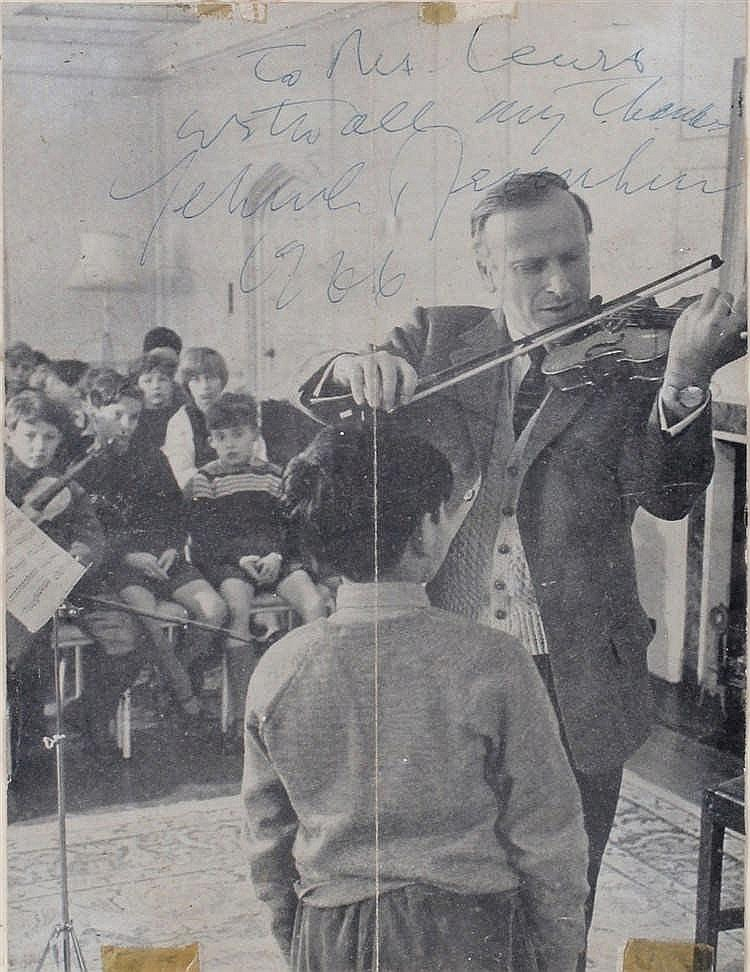 Autographed picture of Yehudi Menuhin,signed in pen, pictured playing the v