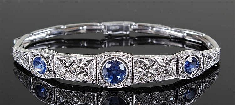 18 carat white gold and Ceylon sapphire bracelet, the Ceylon sapphires at 0
