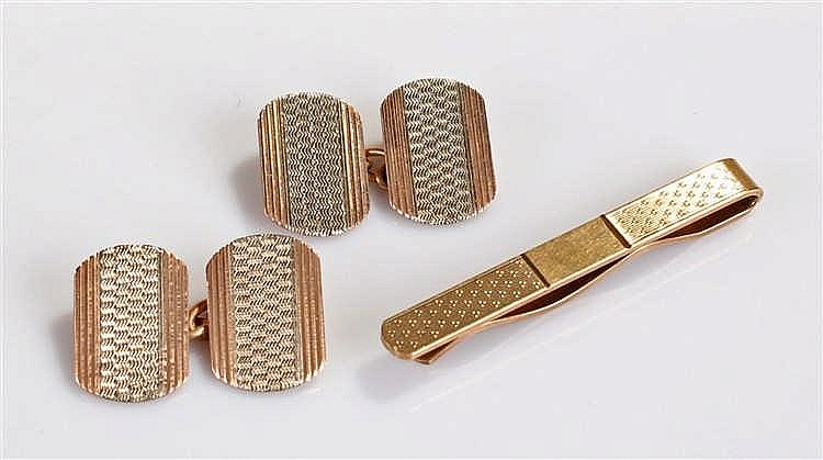 Pair of 9 carat gold cufflinks and tie clip, the cufflinks with white metal