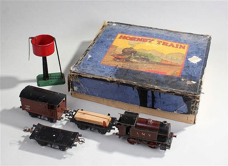 Hornby clockwork train set, the boxed set to include a train and three wago