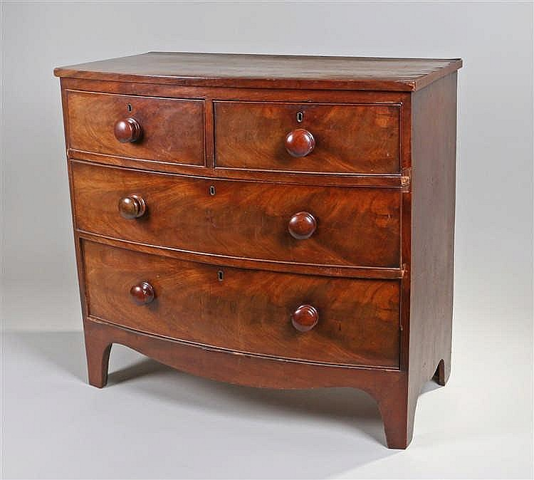 George III mahogany bow front chest of drawers of small proportions, the sh