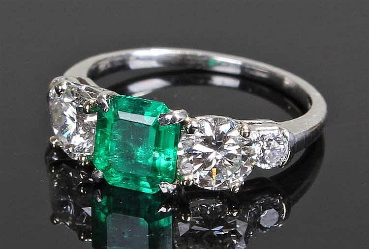 Colombian emerald and diamond ring, the Colombian emerald at 1.25 carats fl